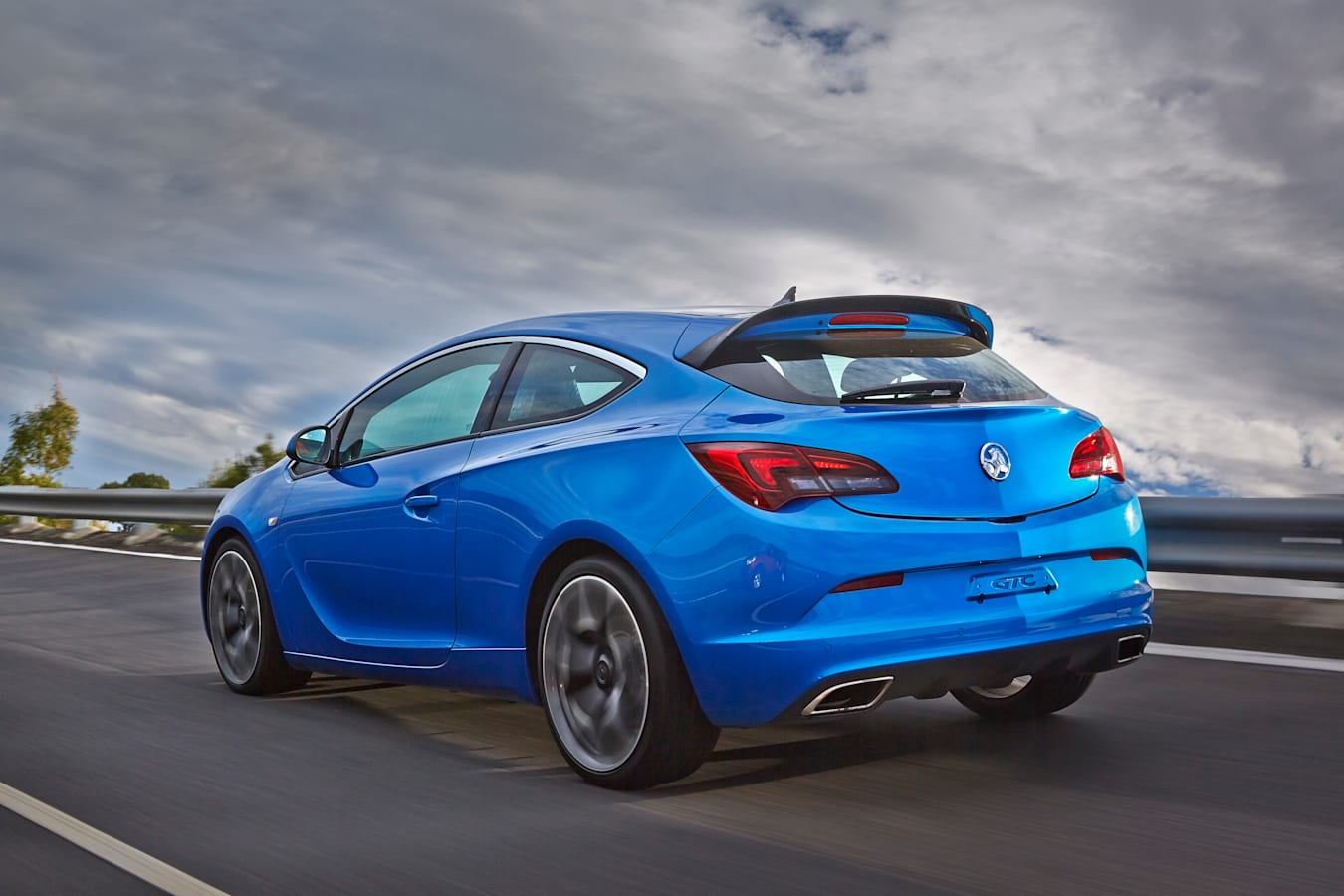 Motor Features Vauxhall Astra Vxr 89