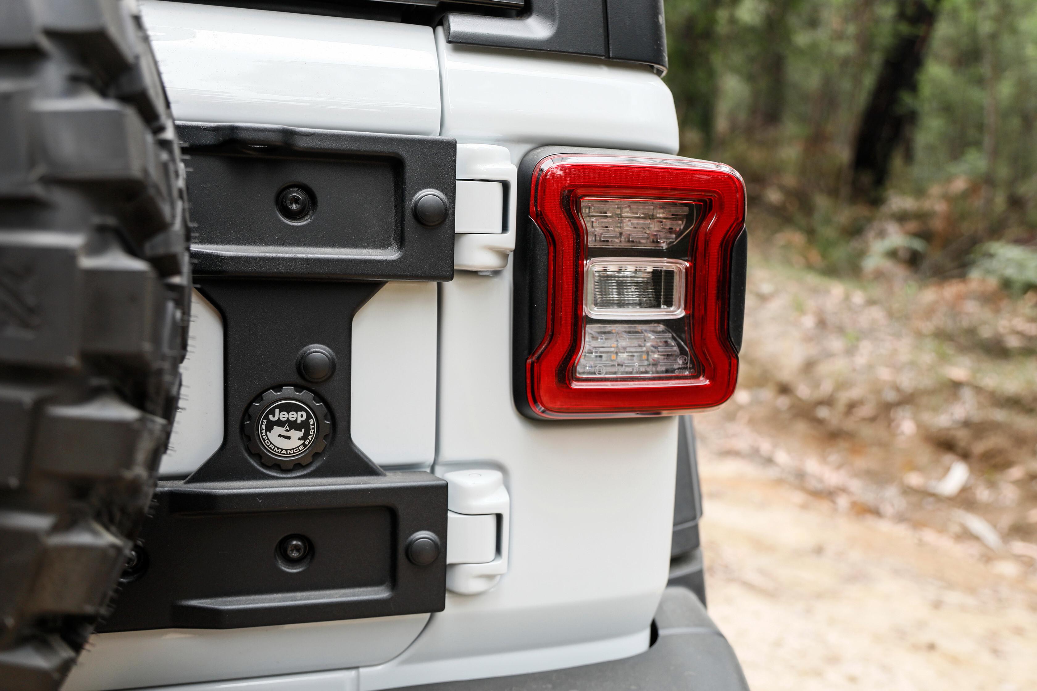 Wheels Reviews 2021 Jeep Wrangler Rubicon Recon Spare Wheel Mount