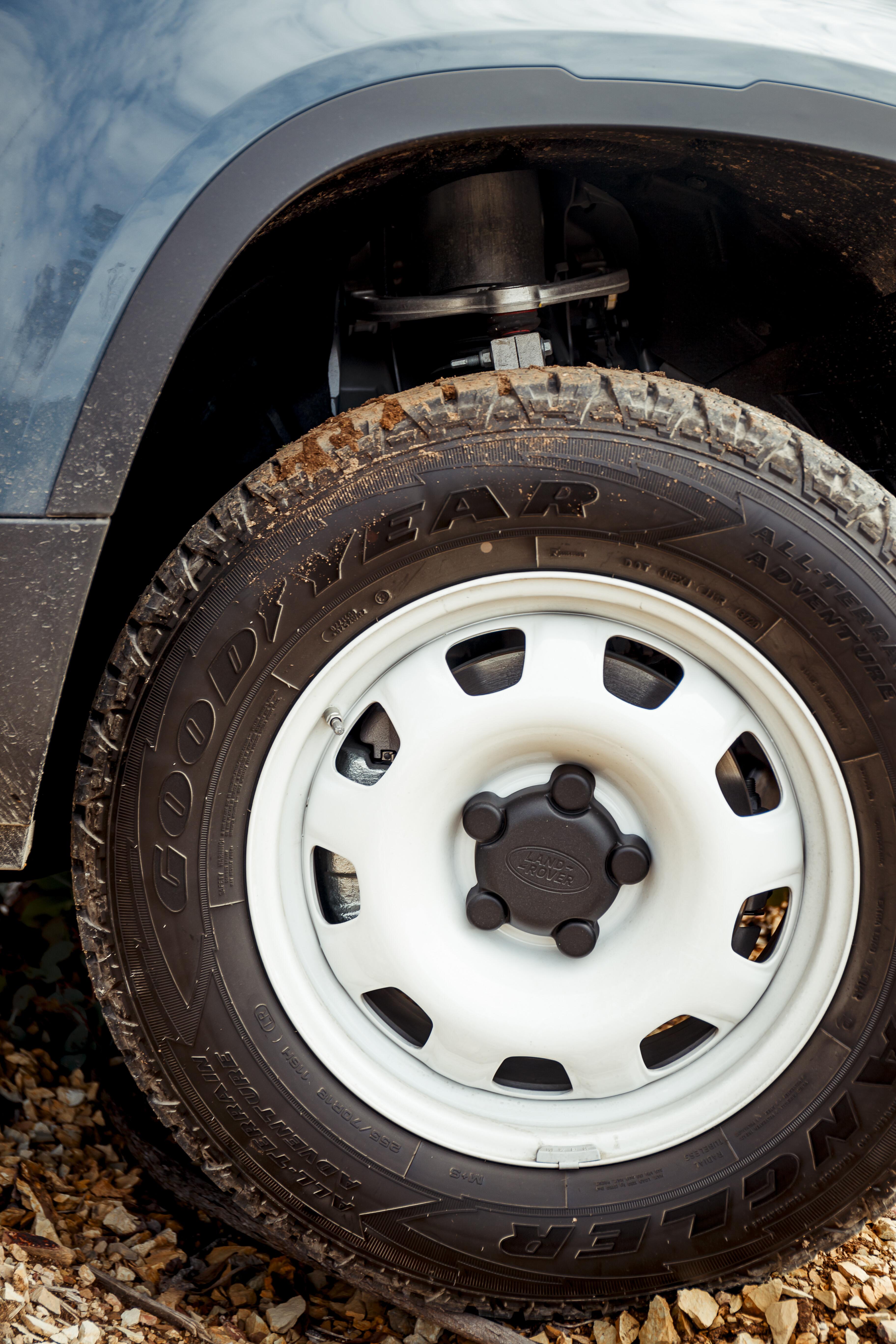 4 X 4 Australia Reviews 2021 June 2021 2021 Land Rover Defender 110 D 250 S 36
