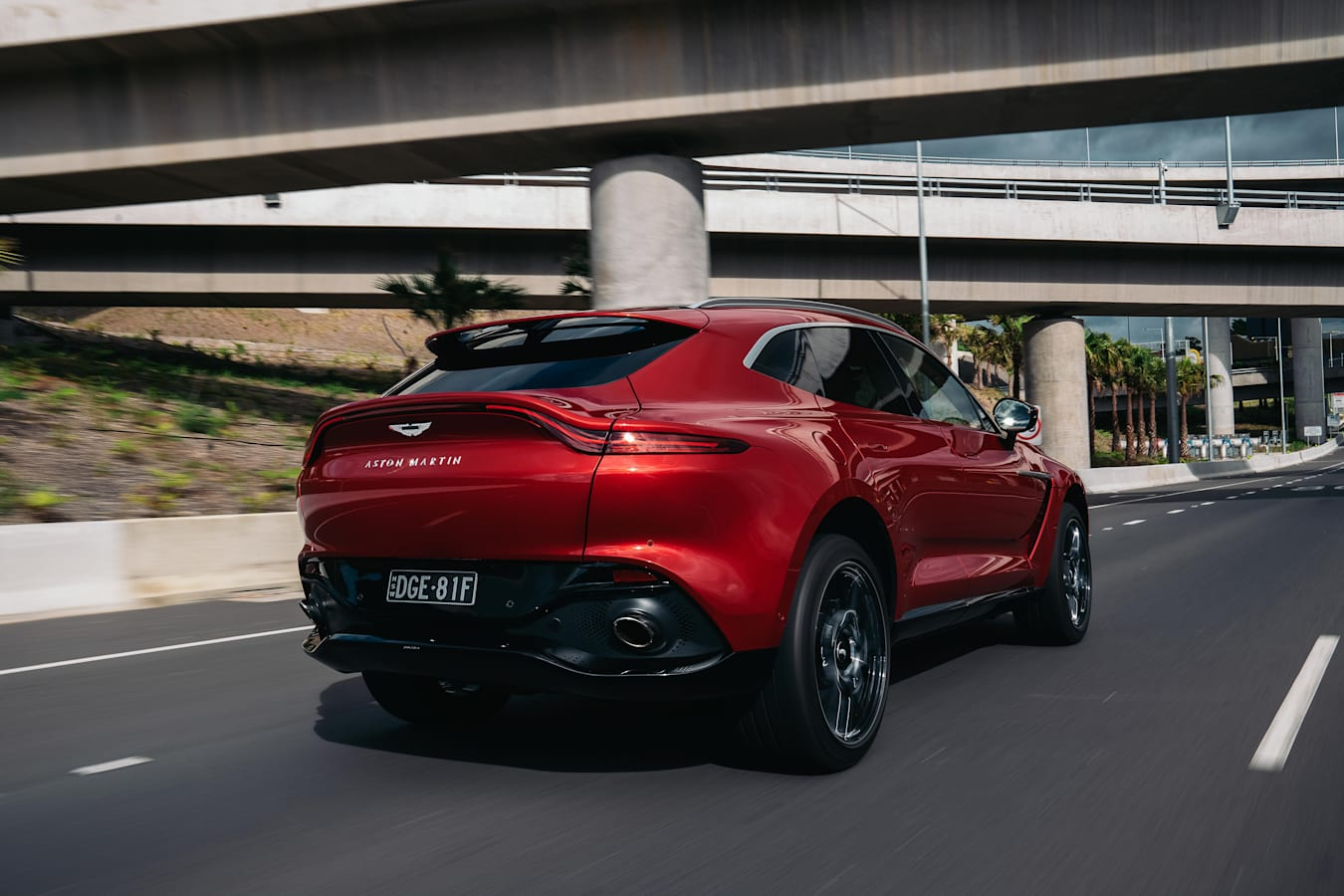 Wheels Reviews 2021 Aston Martin DBX Ride And Handling Review