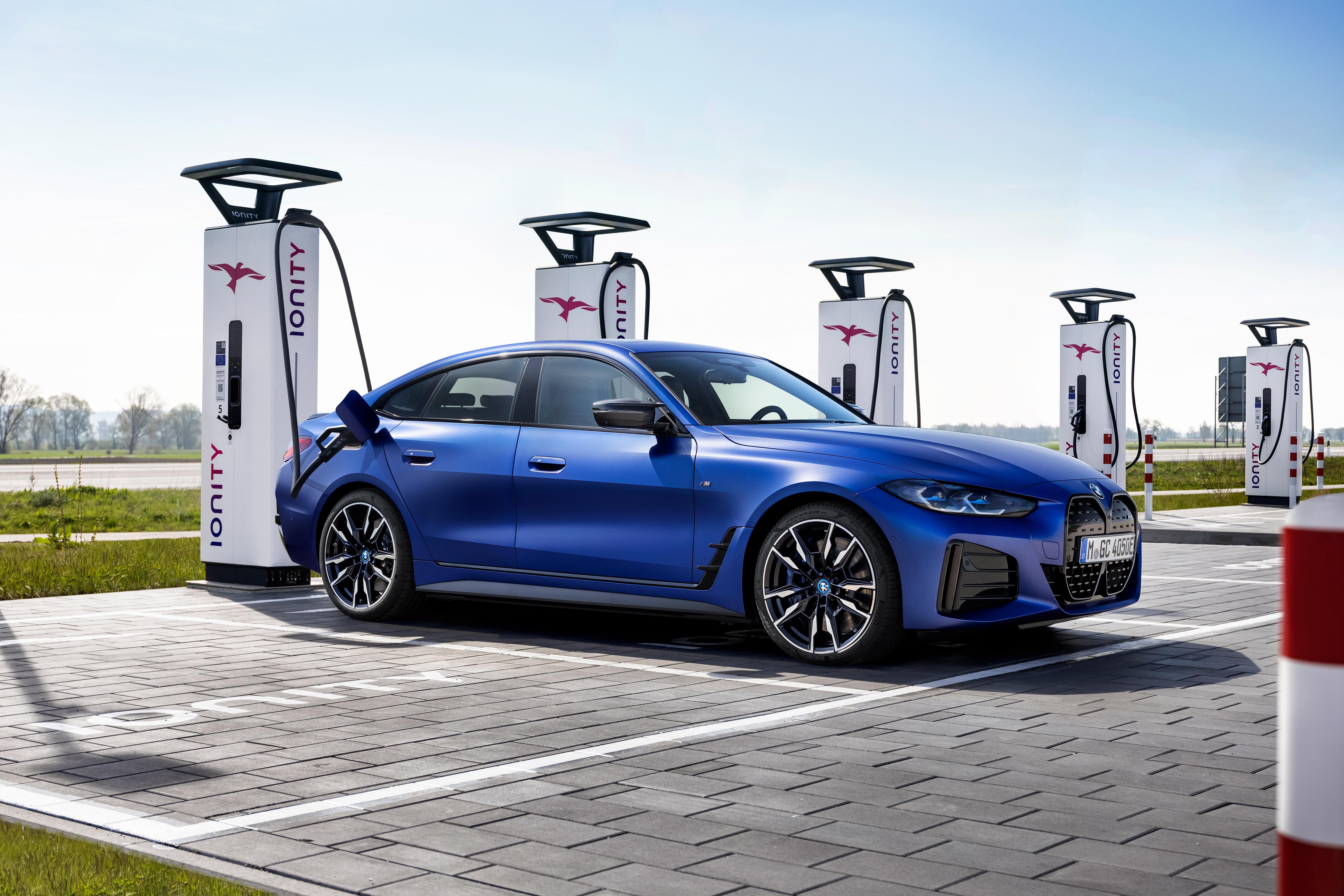 2022 BMW i4 M50 revealed