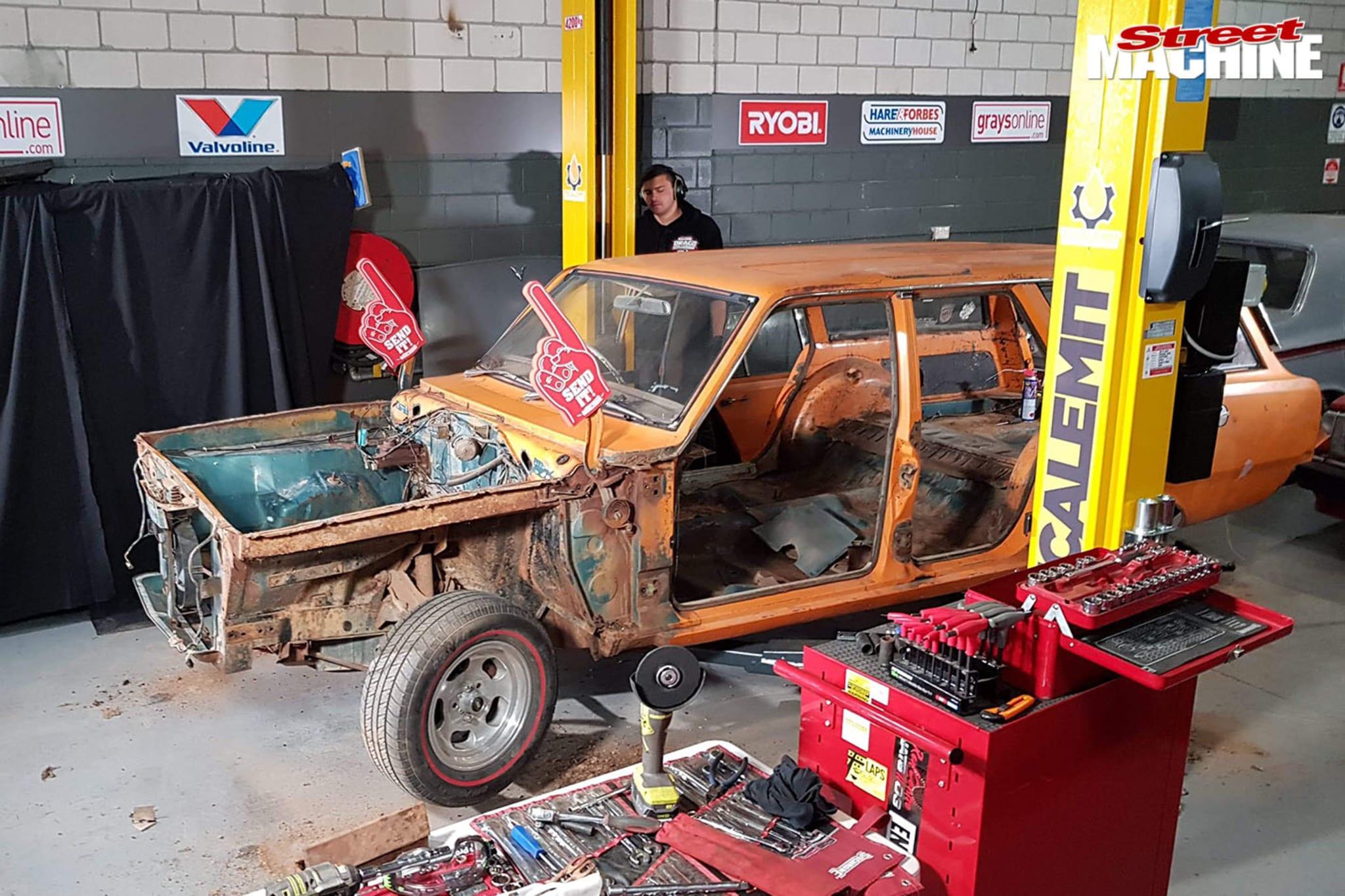 Street Machine TV Valiant Wagon