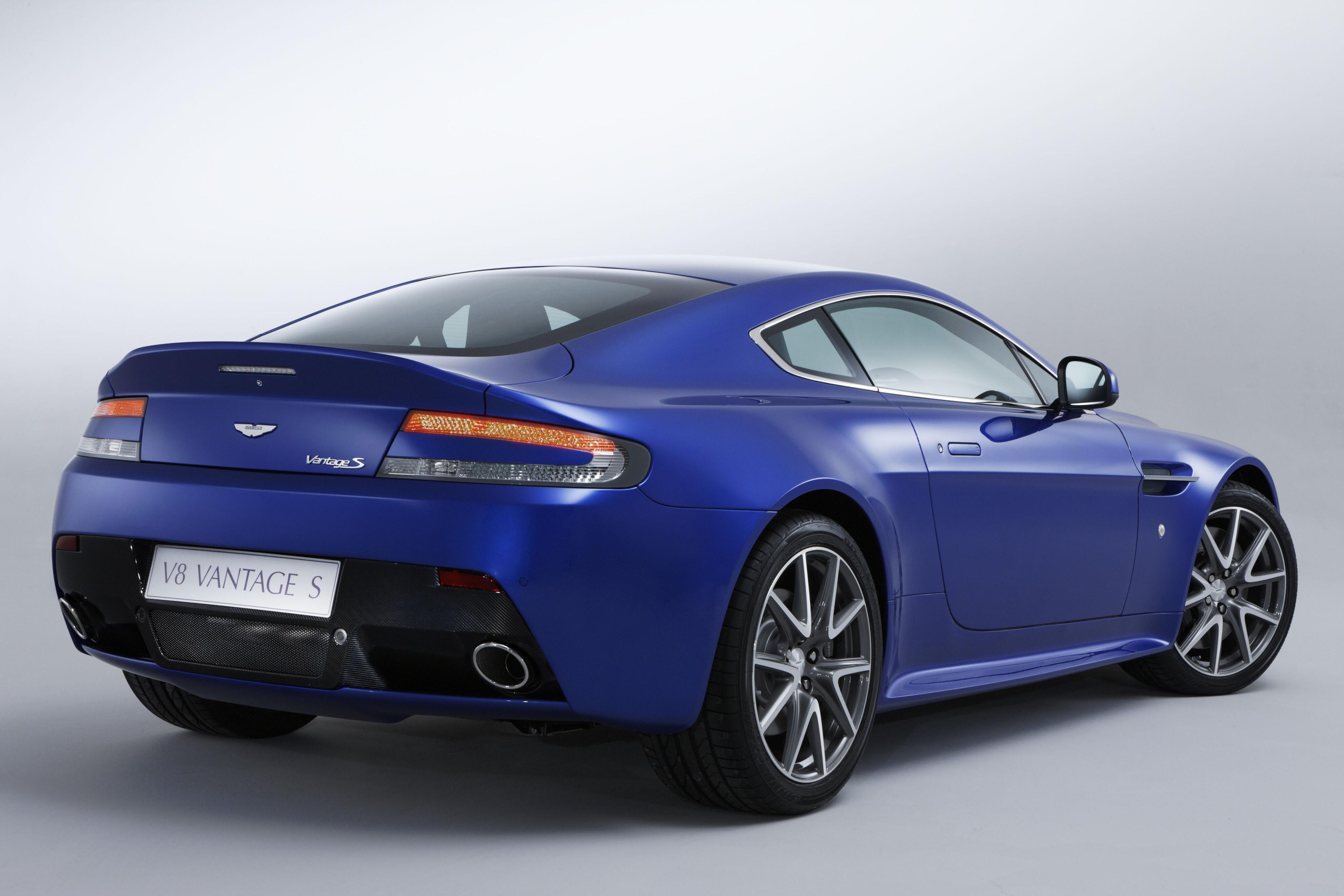 Motor Features Aston Martin V 8 Vantage S 2