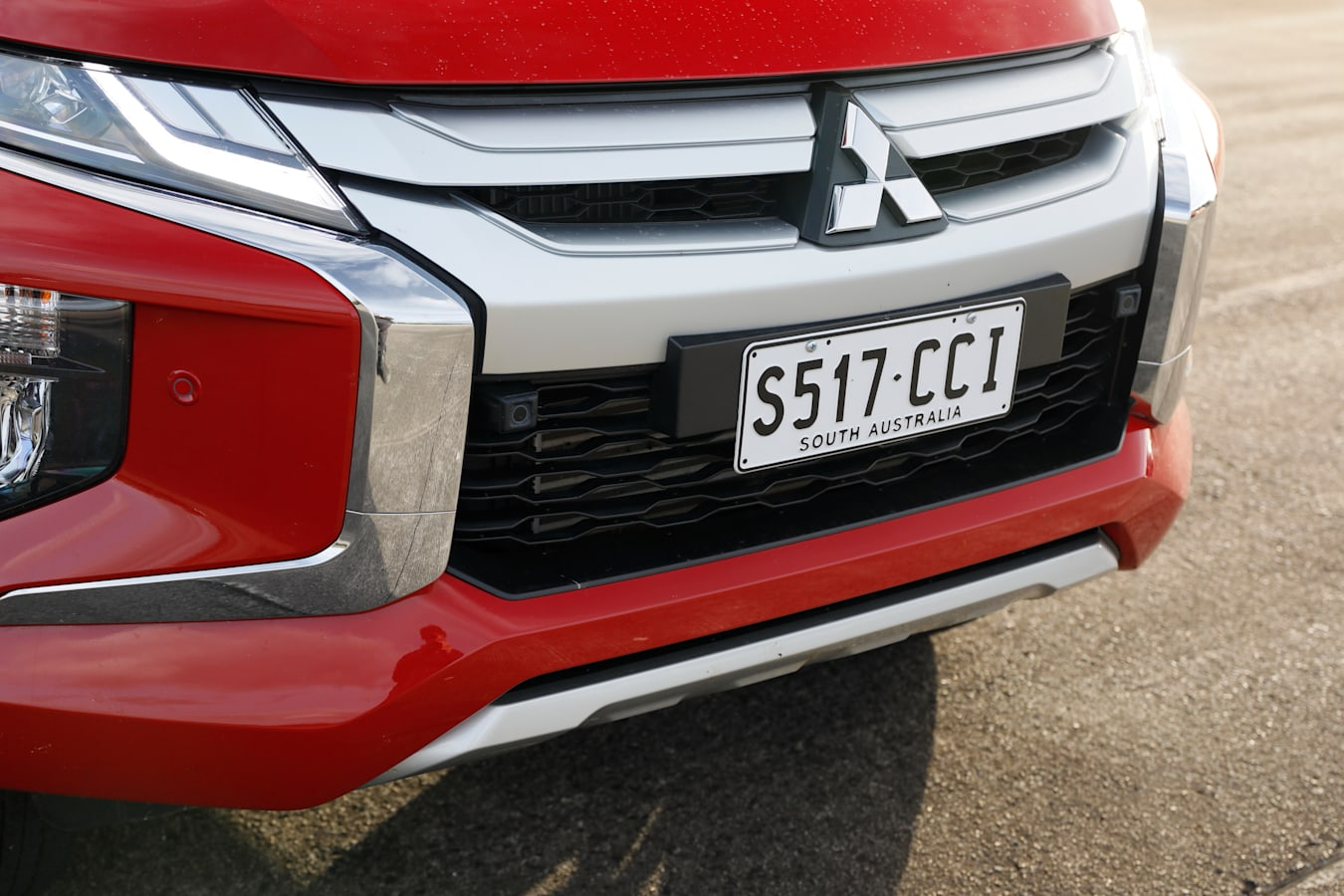 4 X 4 Australia Comparisons 2021 May 21 Mitsubishi Triton GLS Front Grille