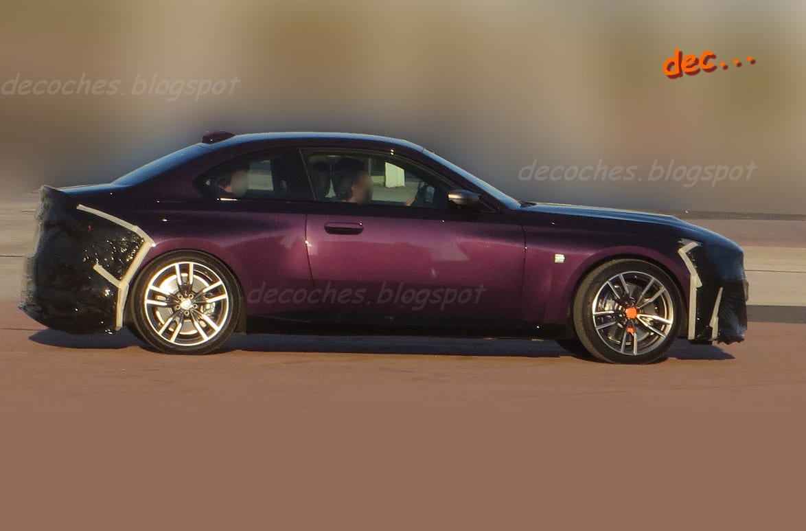 2022 BMW M2 spied with less camouflage - decoches.blogspot
