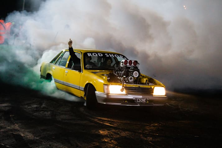 VK Commodore burnout