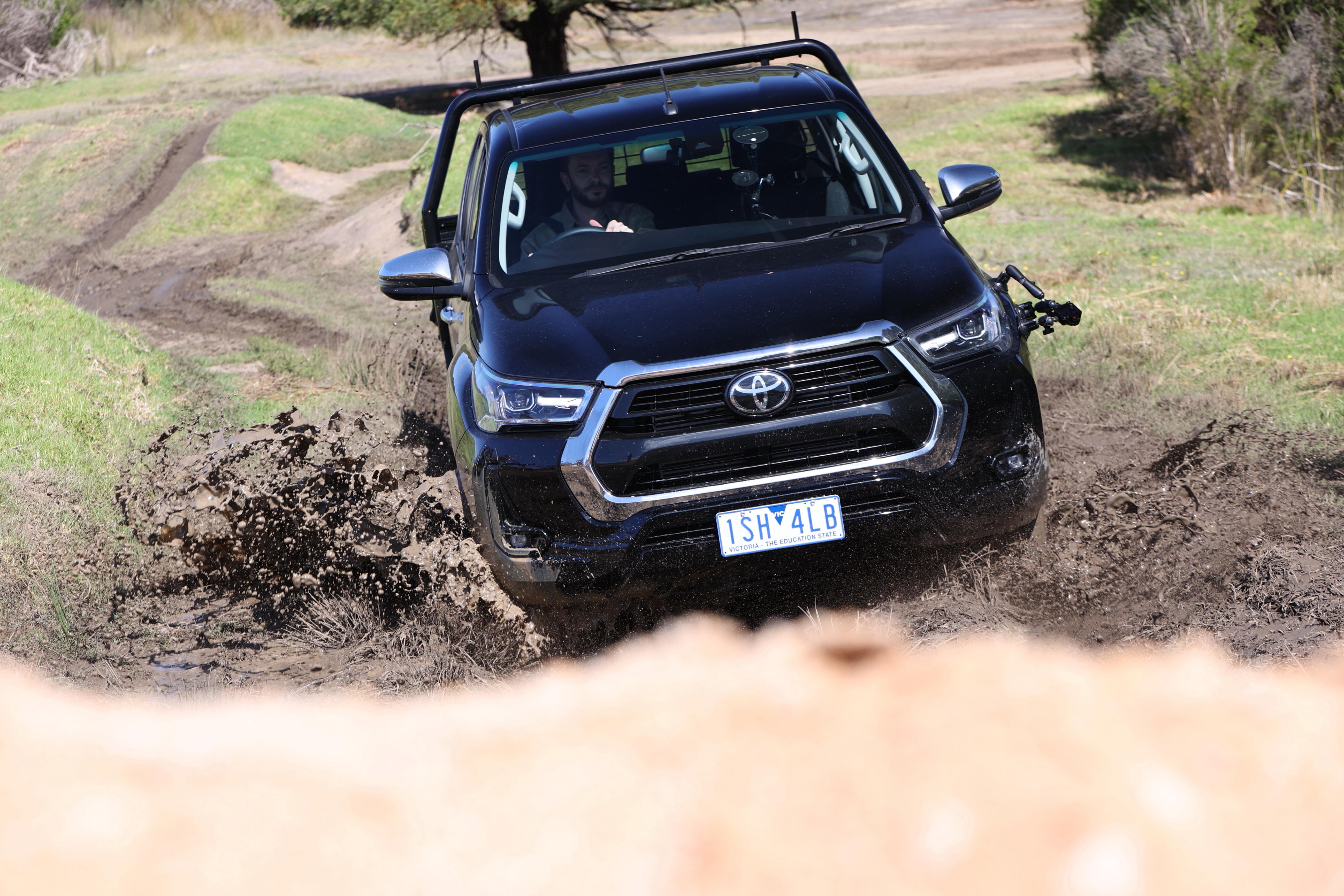 4 X 4 Australia Comparisons 2021 May 21 Toyota Hilux SR 5 Off Road Drive