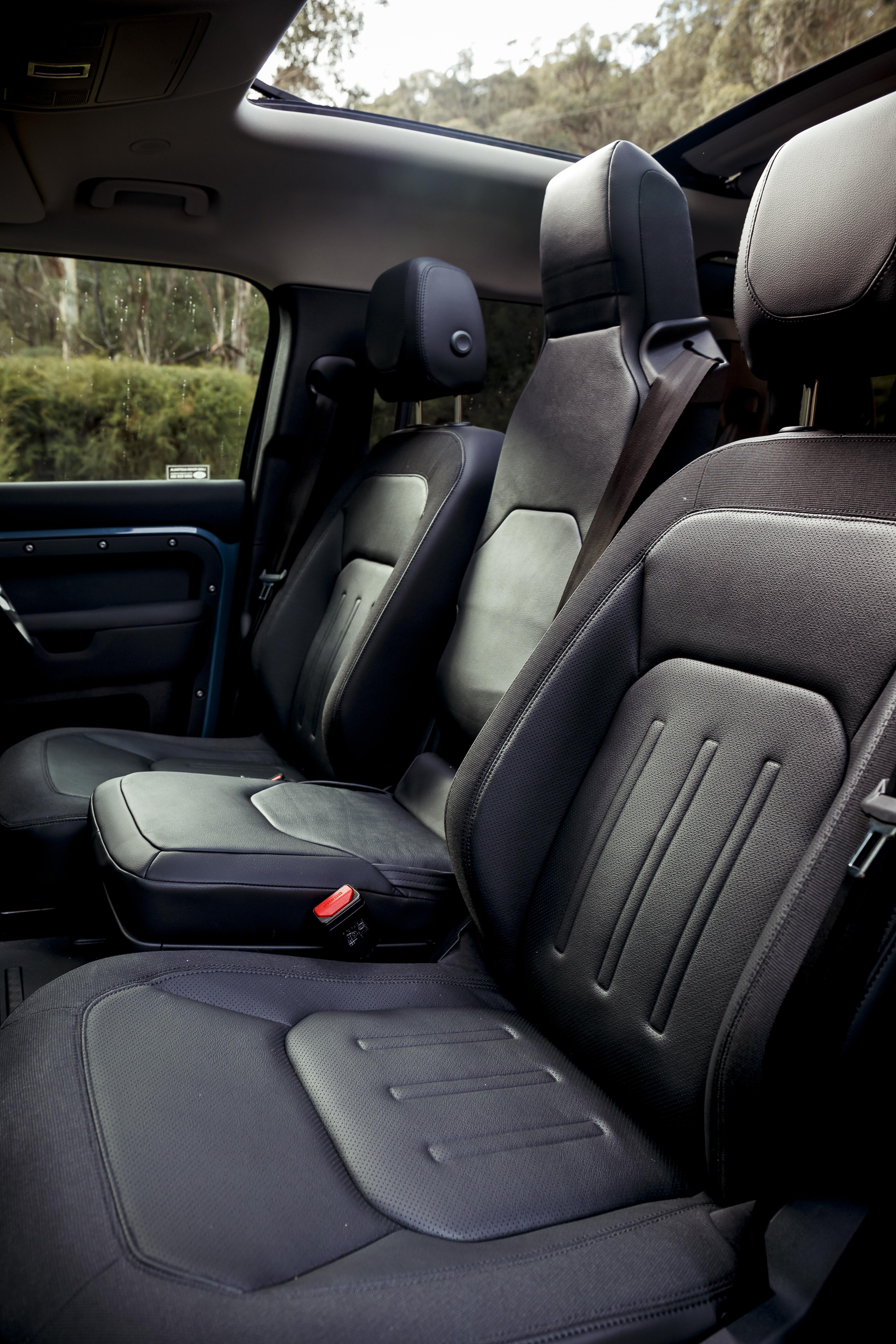 4 X 4 Australia Reviews 2021 June 2021 2021 Land Rover Defender 110 D 250 S Interior 10