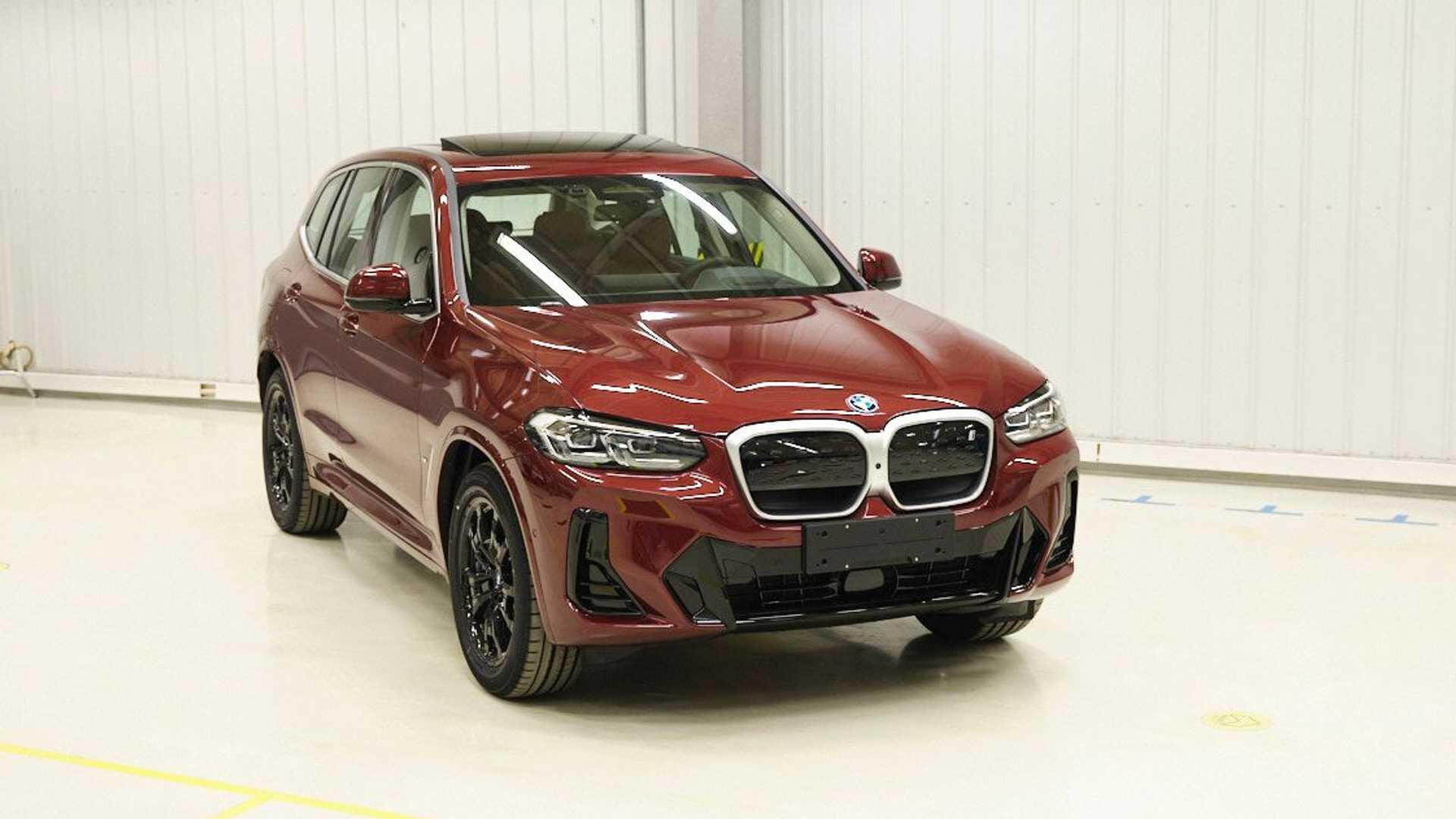 2022 BMW X 3 I X 3 Leak 3