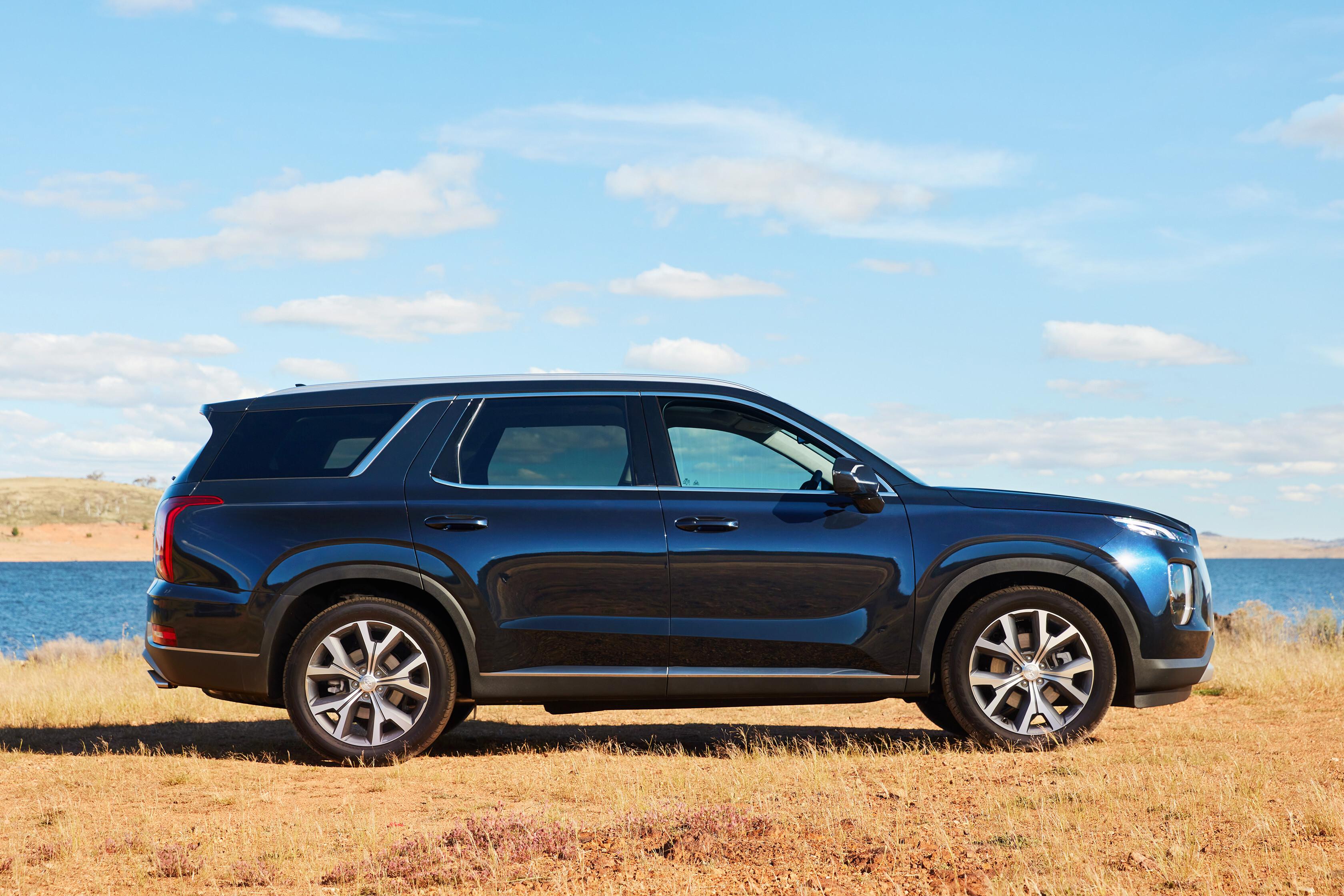 Wheels Reviews 2021 Hyundai Palisade Highlander Side