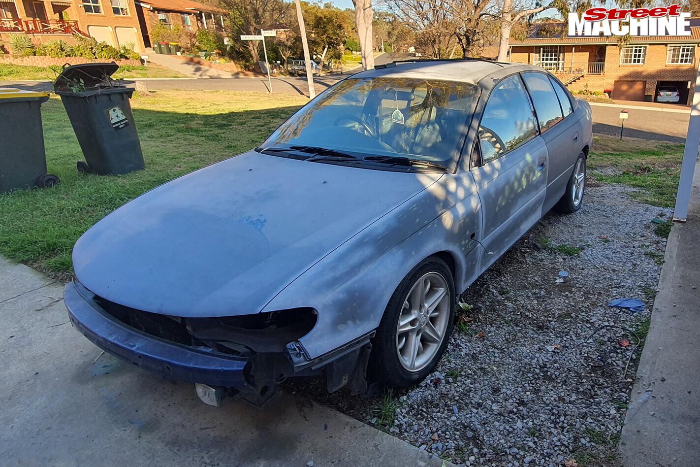 Holden VT Commodore build