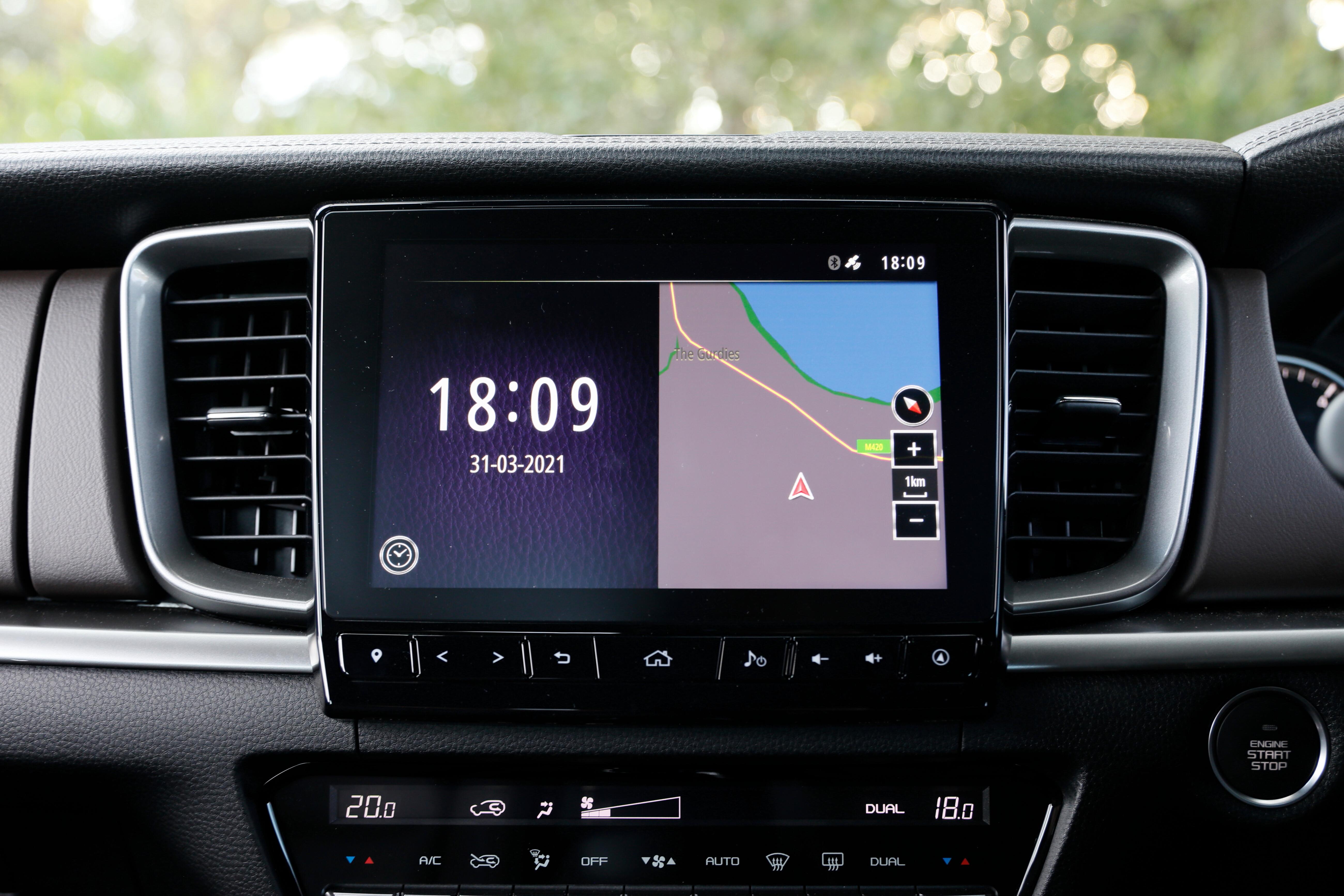 4 X 4 Australia Comparisons 2021 May 21 Mazda BT 50 Thunder Infotainment