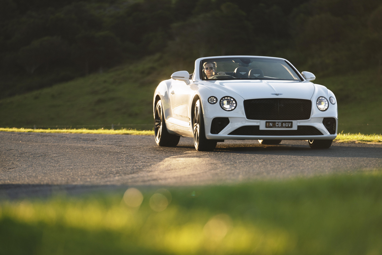 Motor Reviews Bentley Continental GTC V 8 Cornering