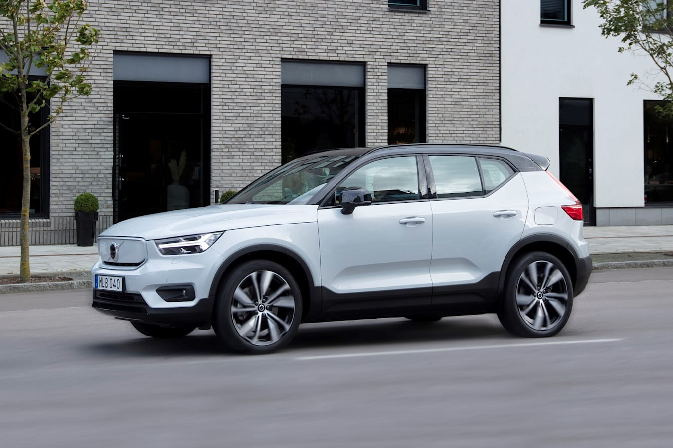 Wheels Reviews 2022 Volvo XC 40 Recharge Pure Electric Test Drive Review