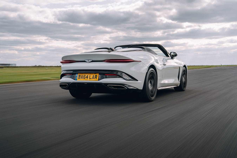 Motor Reviews DSC 06949