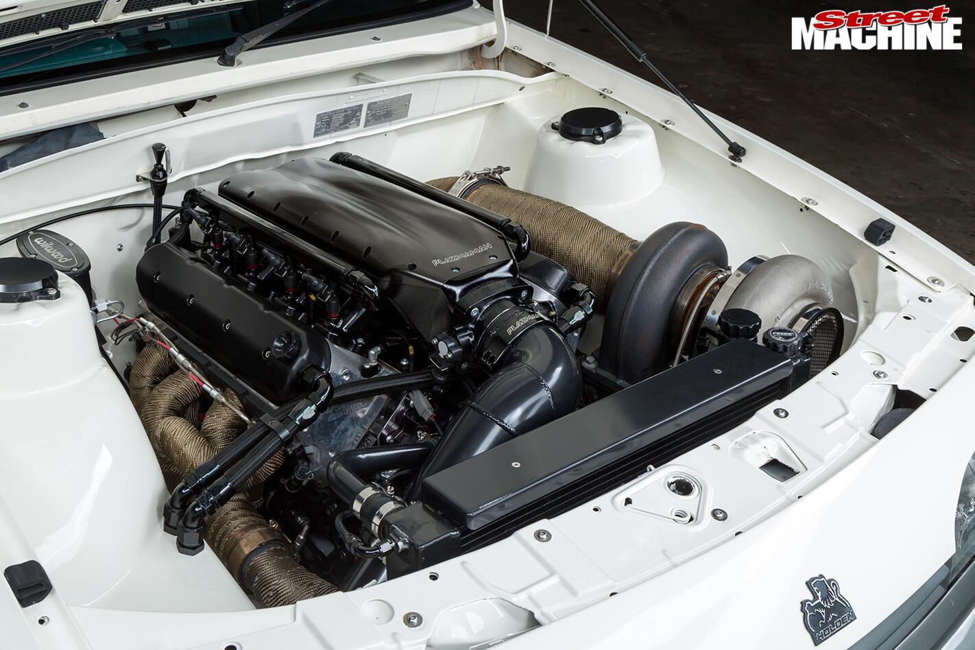 Street Machine Features Holden Vl Calais Engine Bay 2