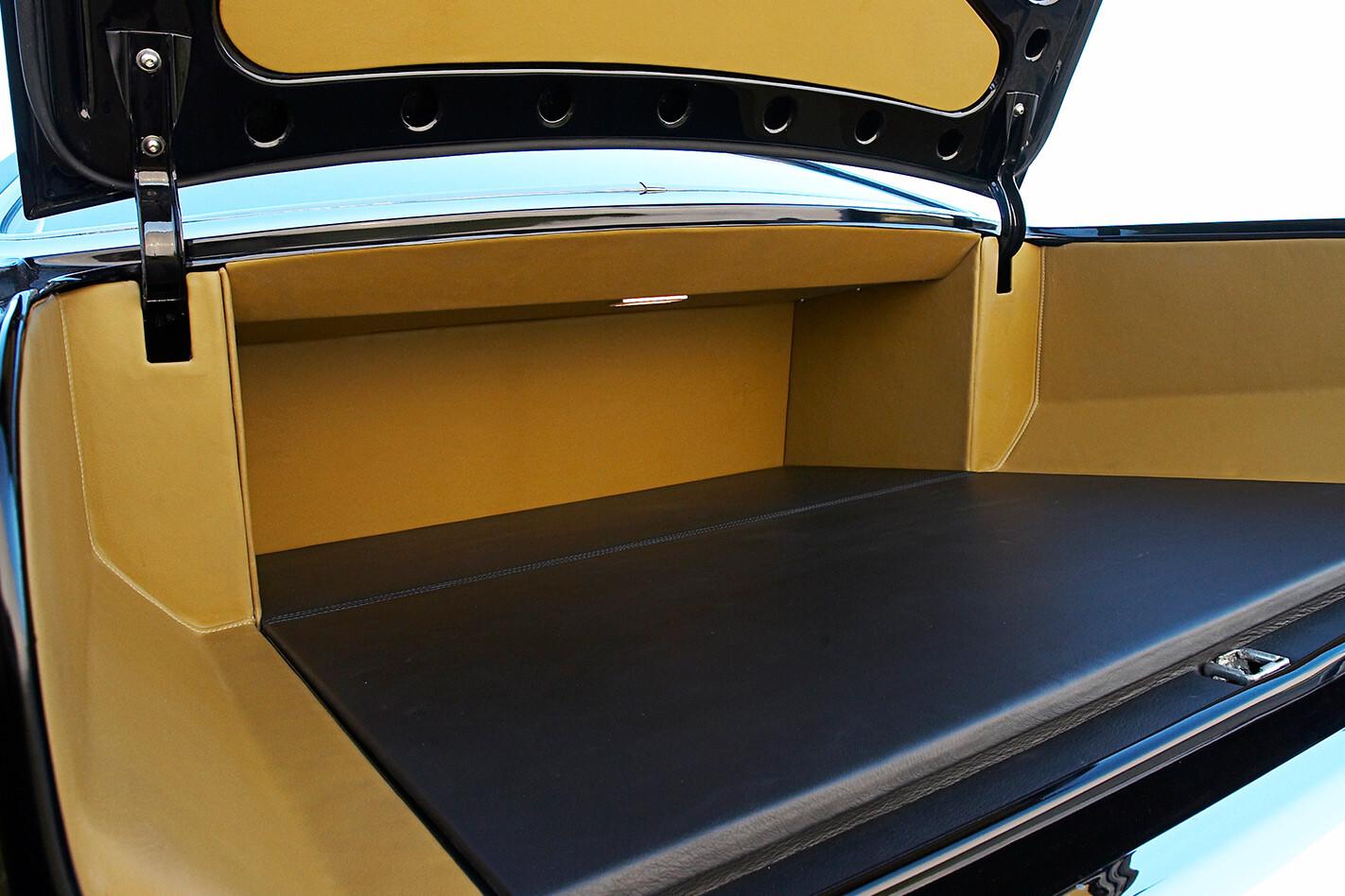 Holden HG Monaro boot