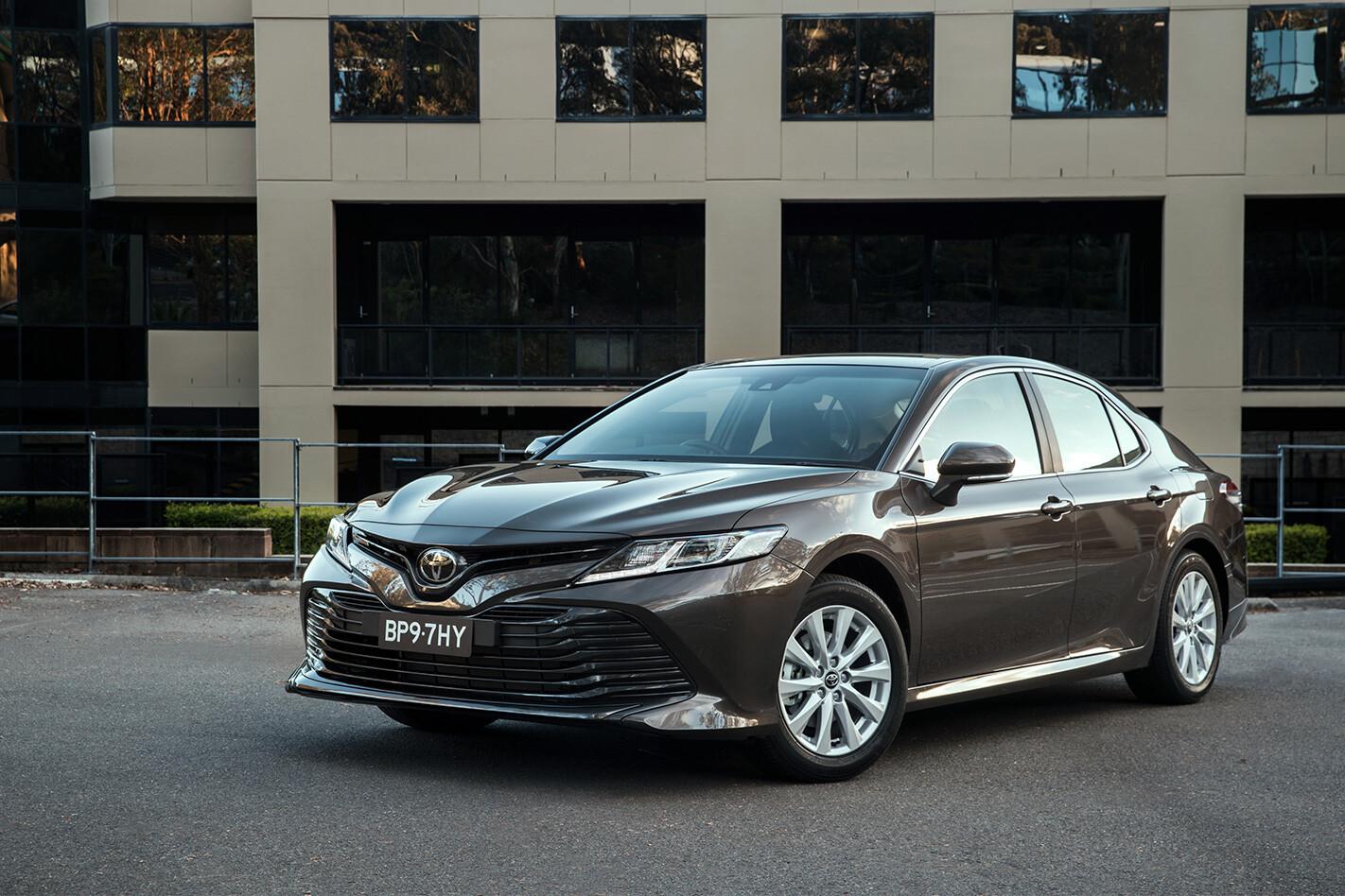 Toyota Camry Ascent Hybrid Front Quarter Jpg
