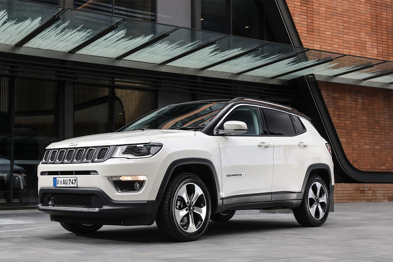 Jeep Compass Limited Front Quarter Jpg