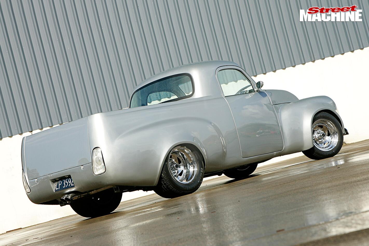 CLASSIC-1955-HOLDEN-UTE-rear