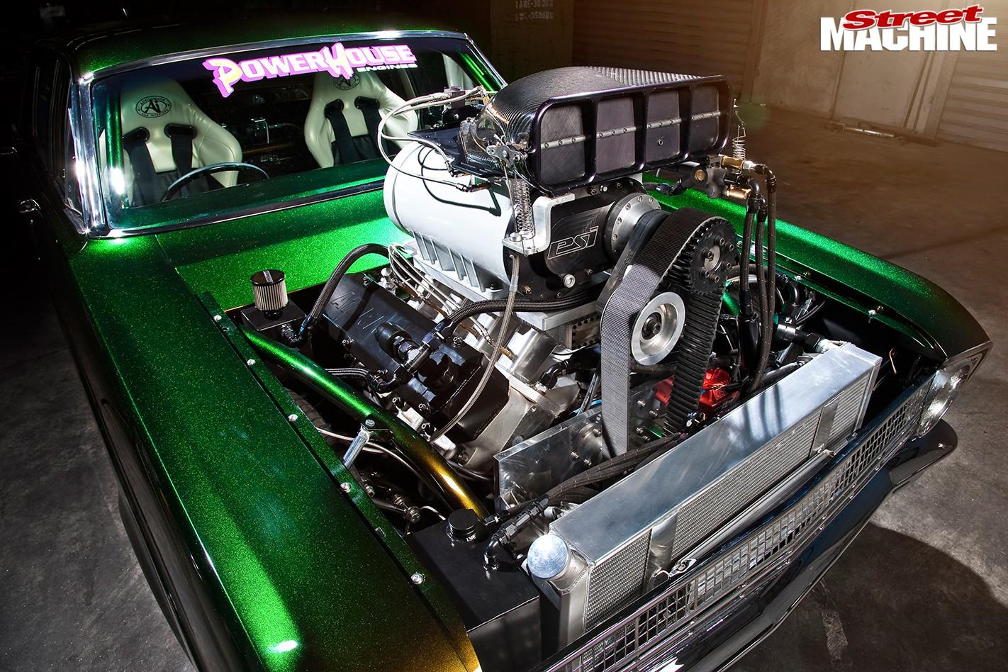 Ford -Falcon -XR-atrisk -engine