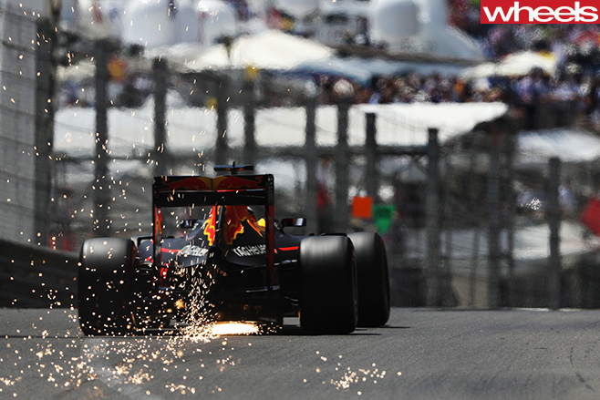 Daniel -Ricciardo -red -bull -driving -dear