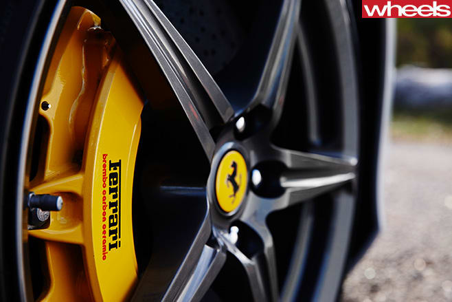 Ferrari -458-convertible -brake -calipers