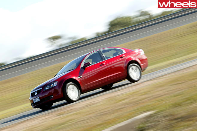 Holden -VE-Commodores -driving -side
