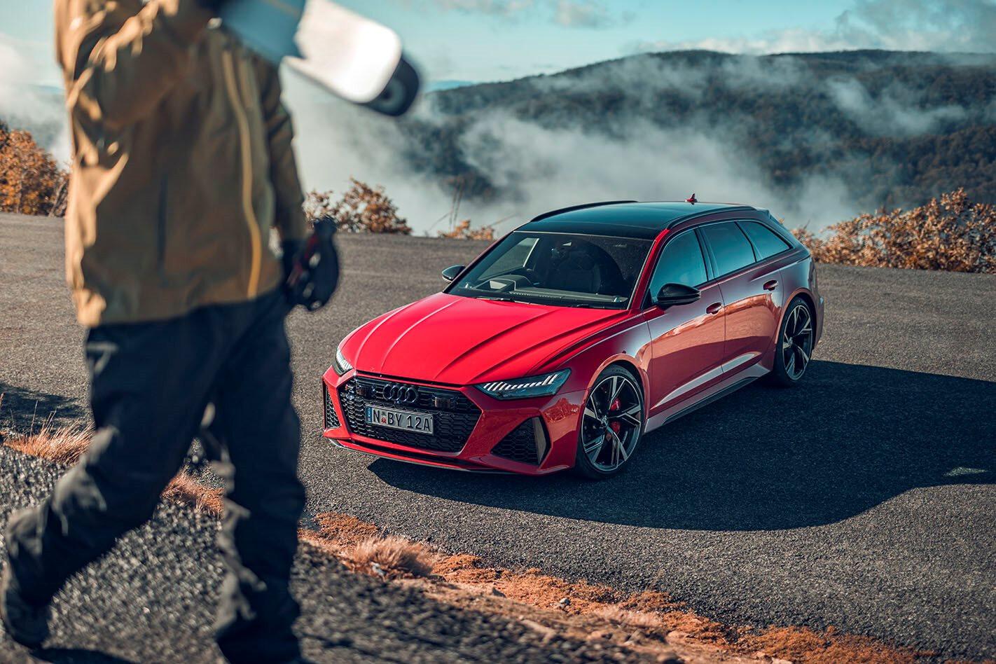 2020 Audi RS6 front three quarter