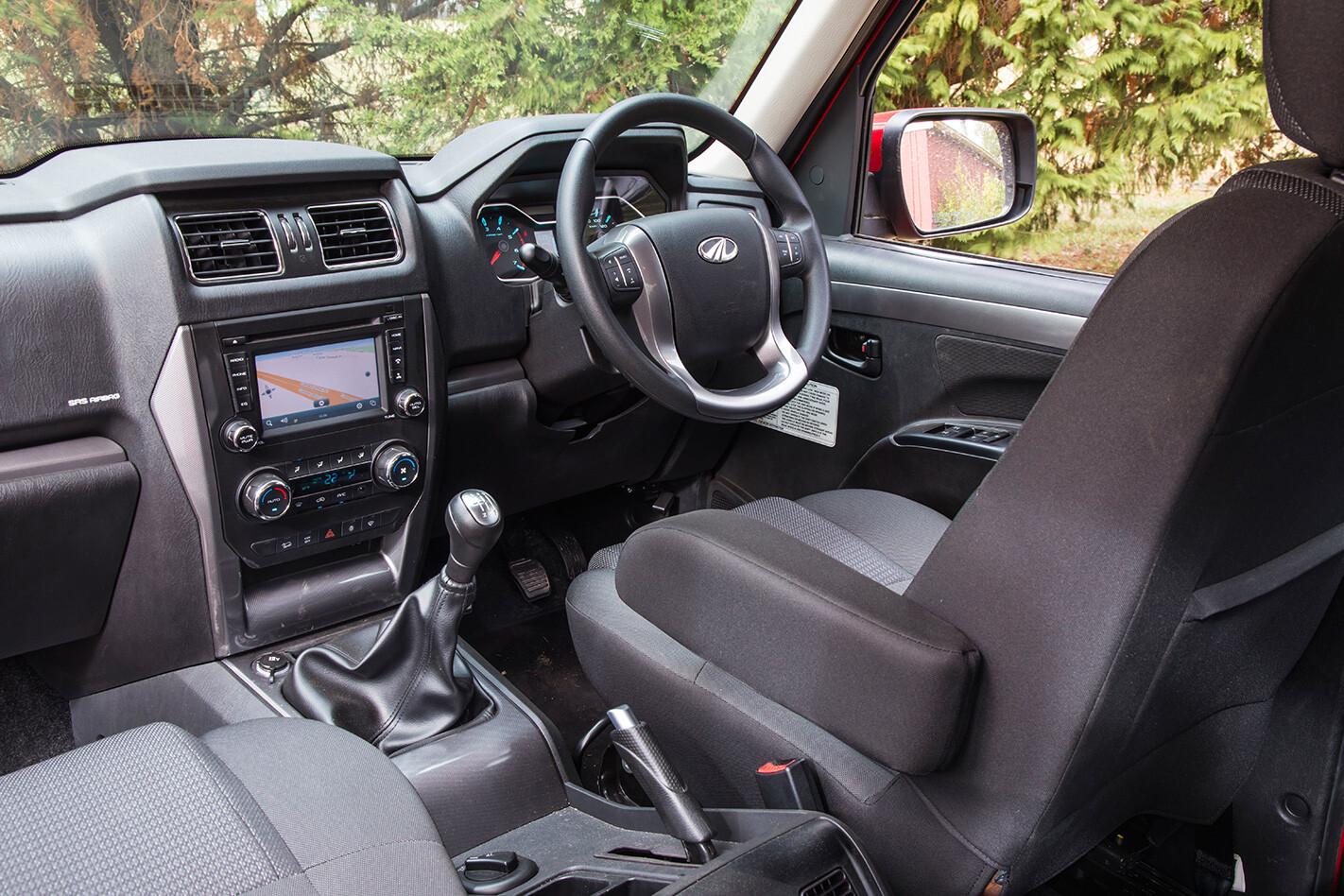 2018 Mahindra Pik-Up S10 interior