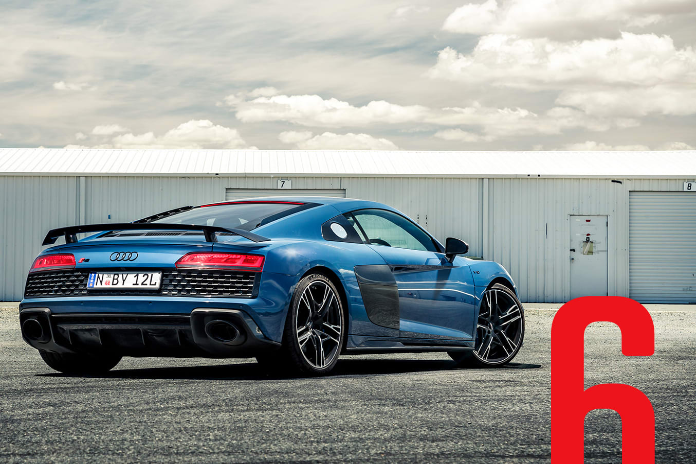 Audi R 8 V 10 Performance Pcoty 6 Cover MAIN Jpg