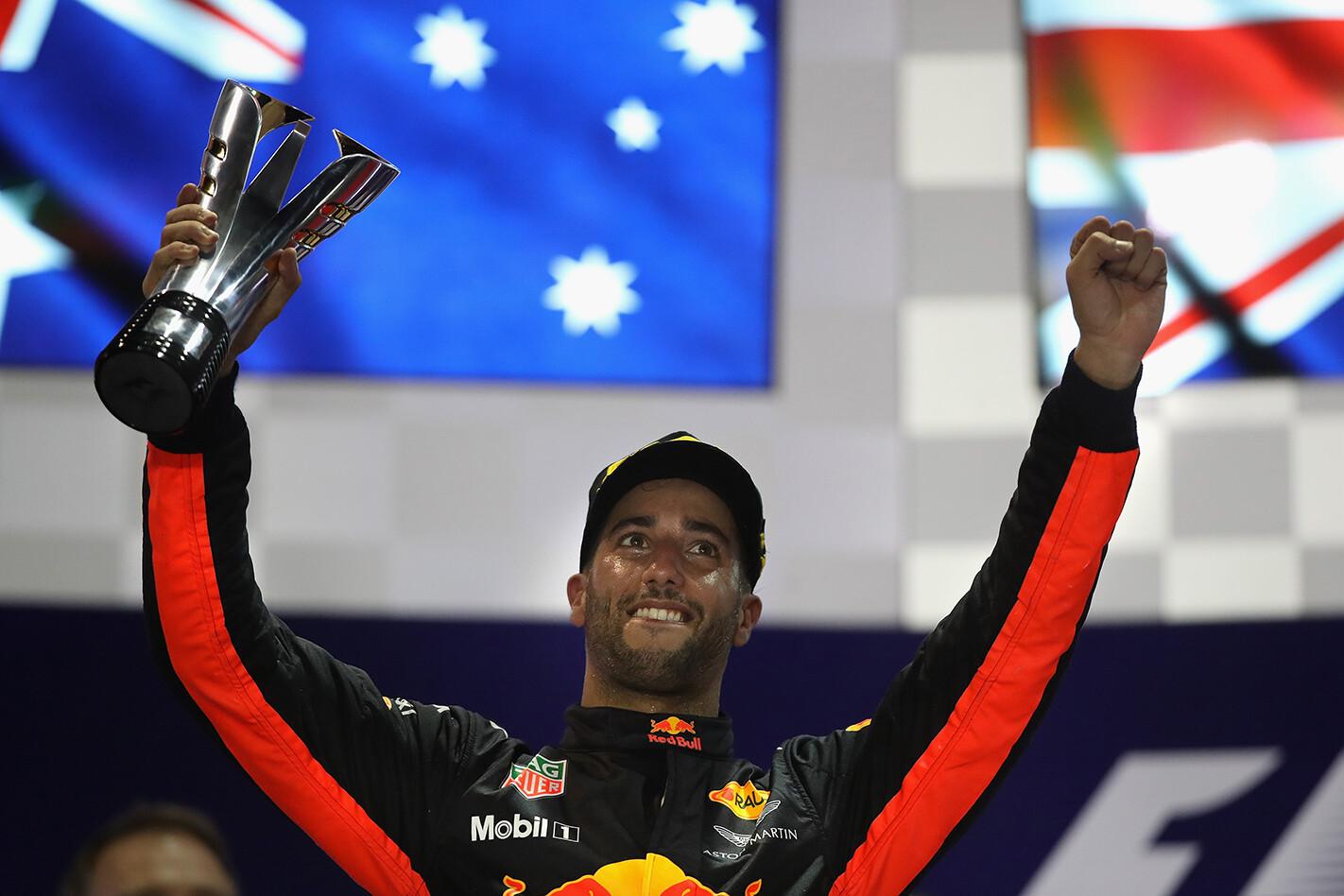 Lewis Hamilton wins 2017 Singapore Grand Prix
