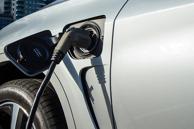 BMW X5 charging
