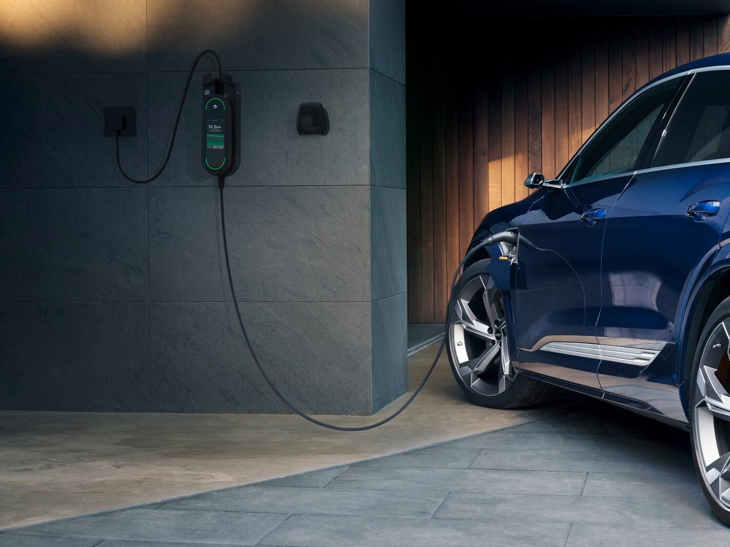 2021 Audi e-tron charging
