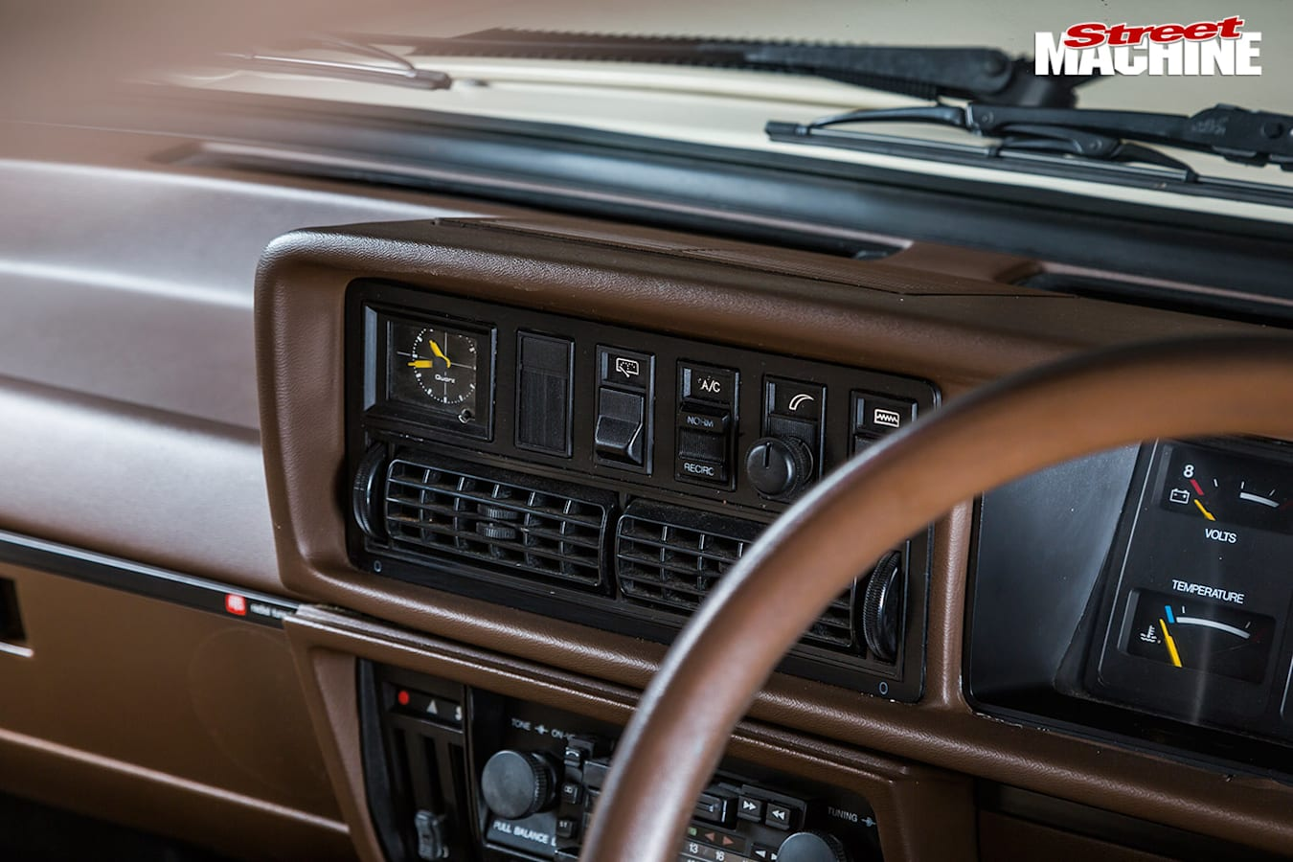 Holden VH Commodore wagon dash