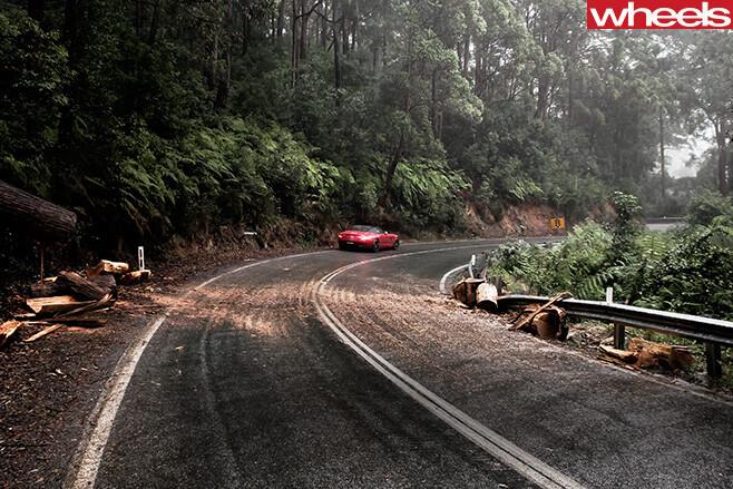 Mercedes -Benz -SLS-Cup -driving -road