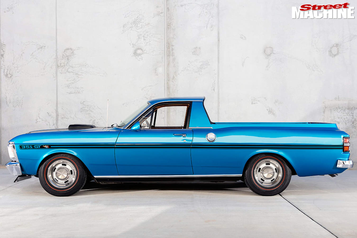ford falcon xy ute side