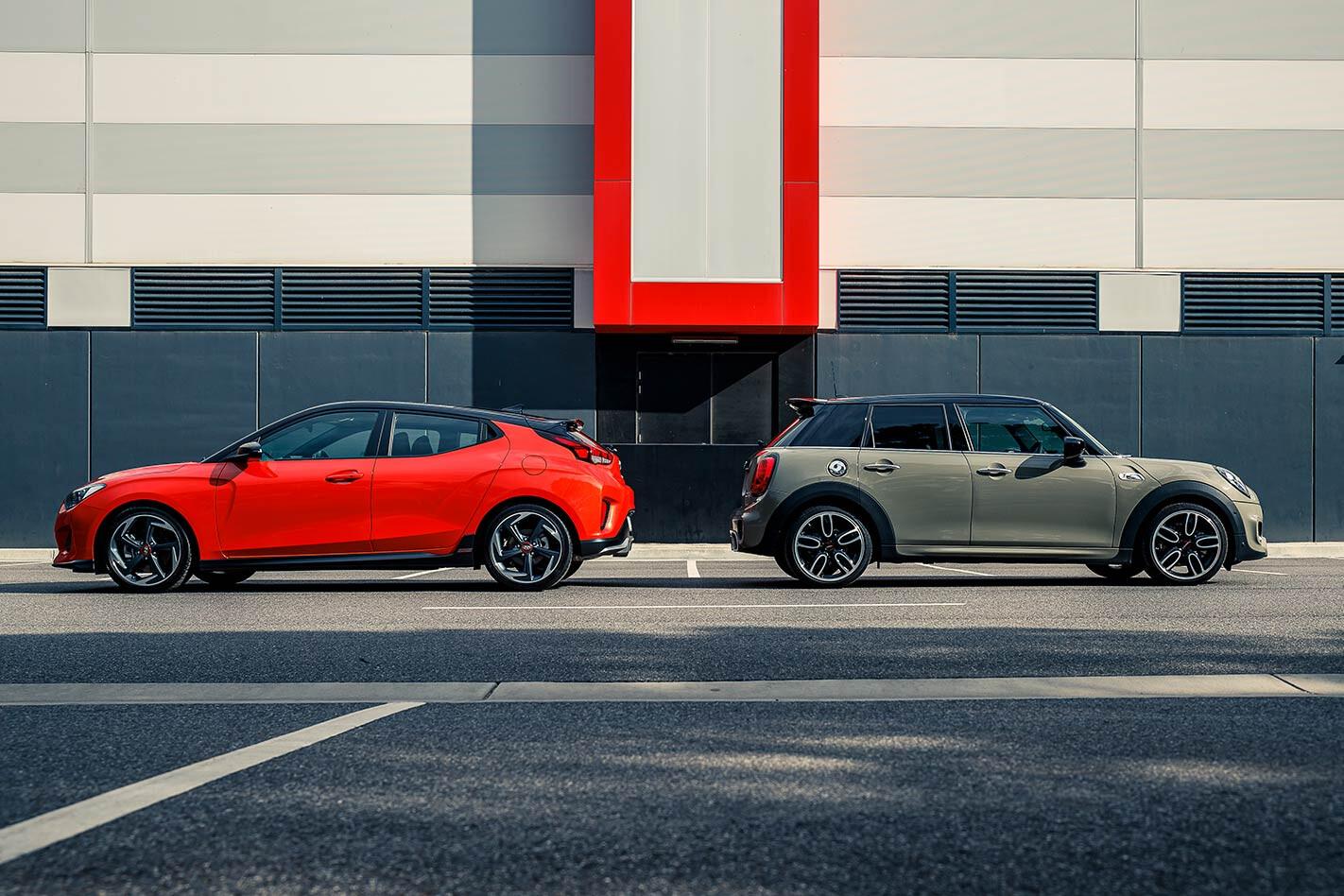 Hyundai Veloster vs Mini Cooper S