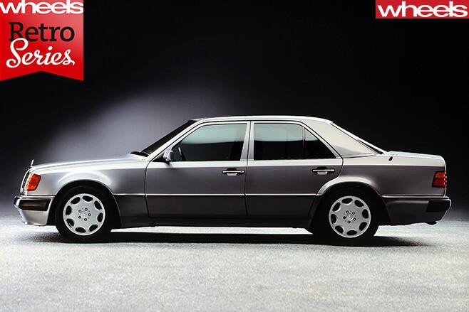Mercedes -E500-side