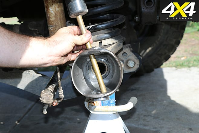 15 Remove Knuckle Bearing Outers