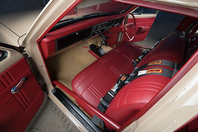 Holden HT interior front