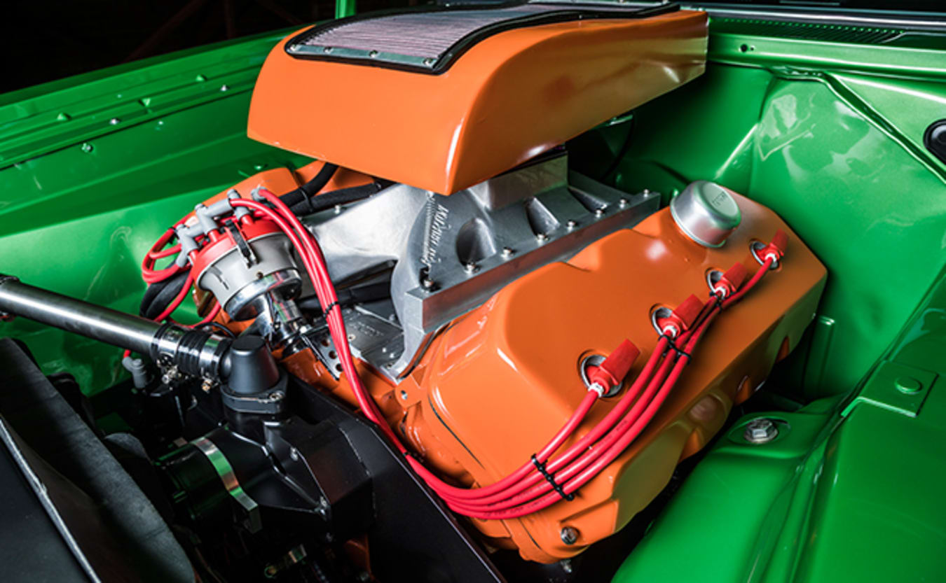 Valiant VH Charger engine