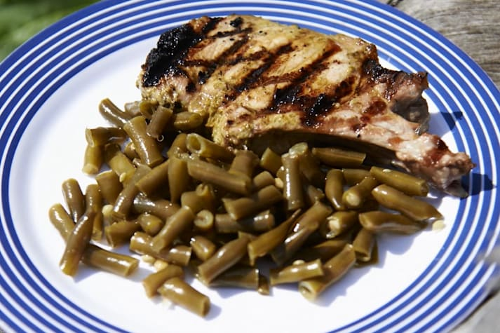 Bush cooking with Roothy: Pesto pork