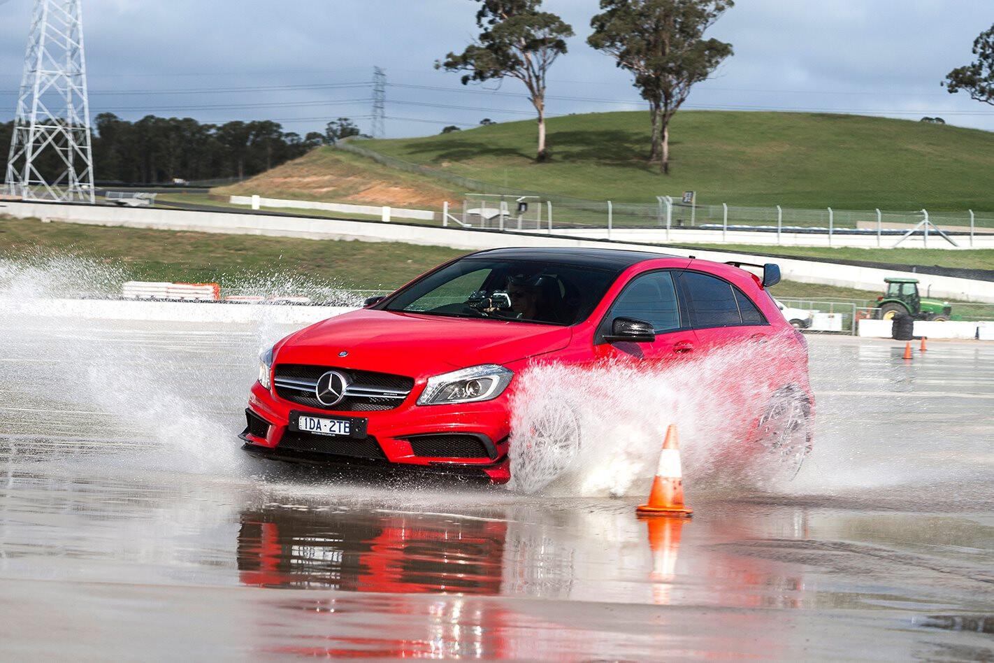 MOTOR Tyre Test 2015: Wet Braking