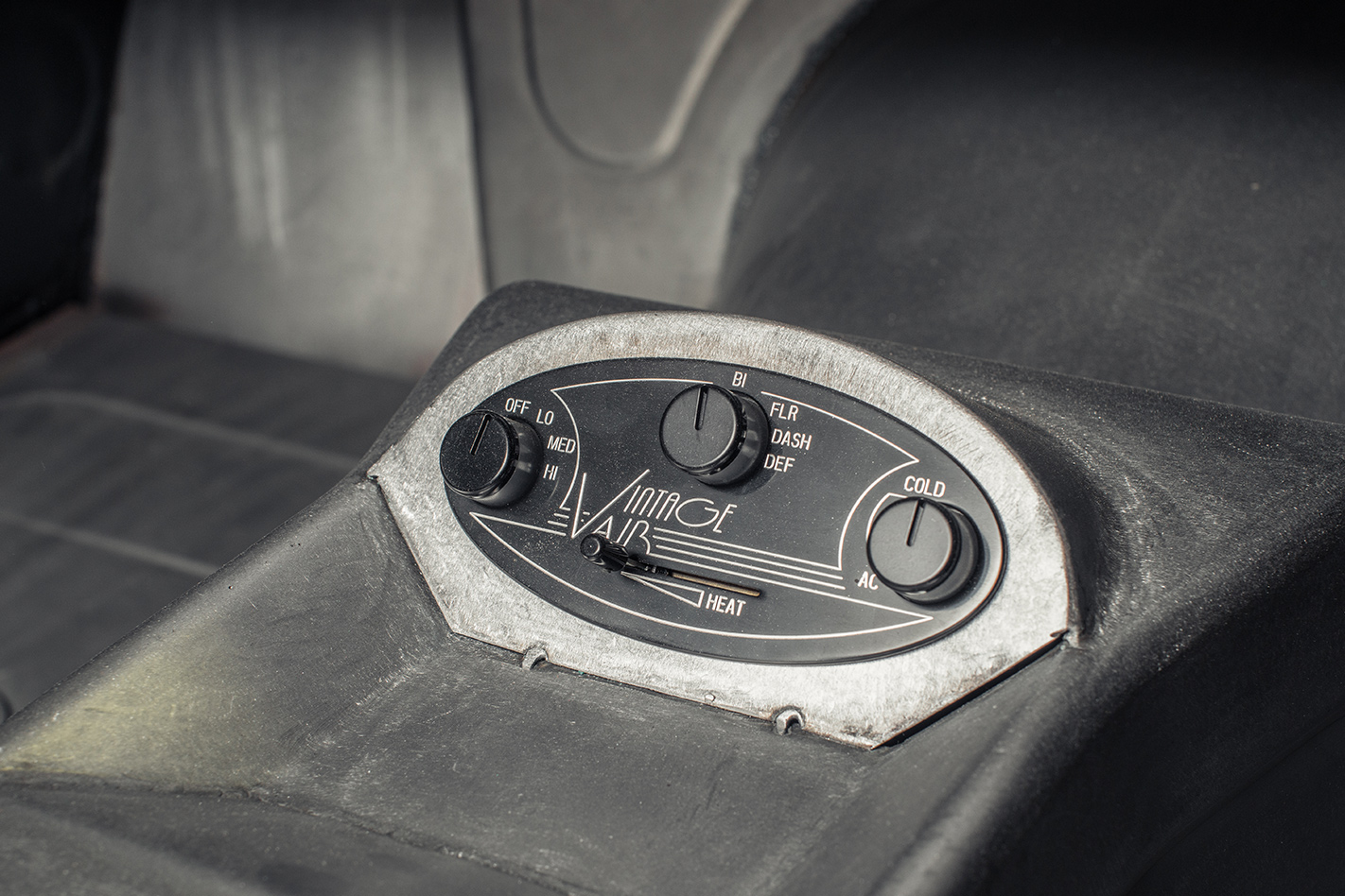 VG Valiant controls
