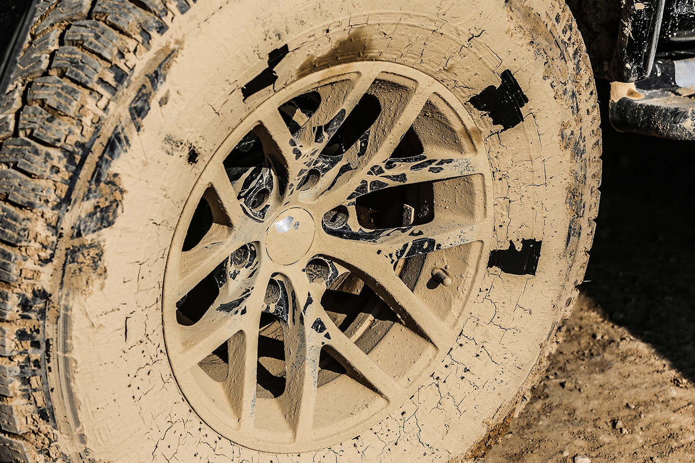 2016 Isuzu D-MAX AT35 tyre