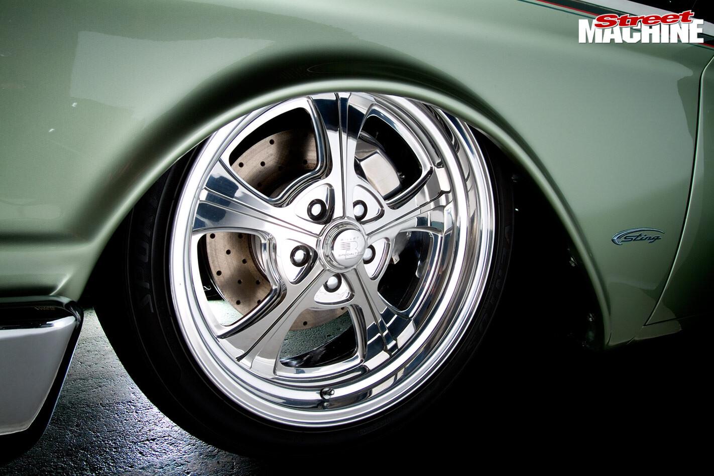 Ford Starliner wheel