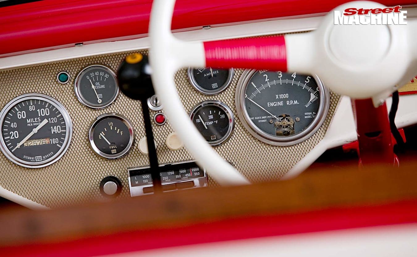 1932 Ford Roadster dash