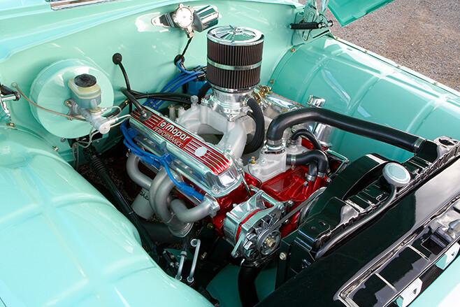Chrysler small-block engine
