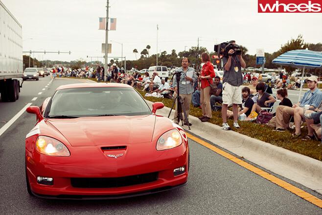 Chevrolet -Corvette -busy -road